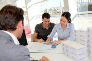 Налоговый вычет при покупке квартиры может быть оформлен на обоих супругов