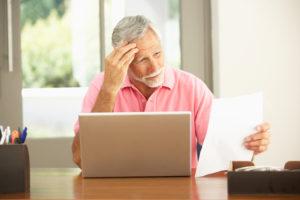 Работающий пенсионер может использовать налоговый вычет на общих основаниях