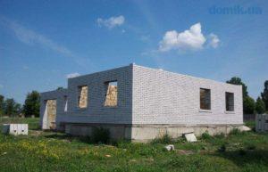 На недостроенные строения и участки зели не начисляется налог на имущество