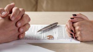 Особенности раздела имущества при наличии брачного договора