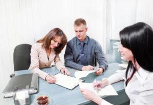 Ипотечный договор может быть переоформлен на одного из супругов