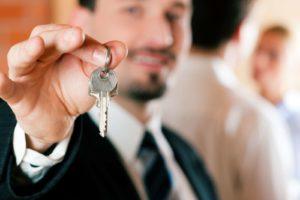 Дарение общей квартиры жене