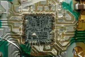 Защита прав на топологию электронных схем