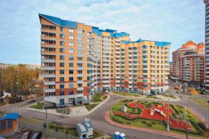 Жители многоквартирного дома имеют право оформит придомовую территорию в собственность