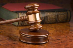 Отказ в регистрации ребенка может быть обжалован в судебном порядке
