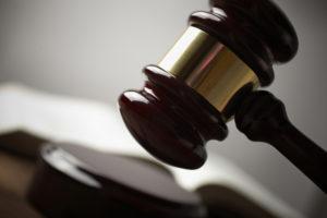 Выписка длительное время не ипроживающего в квартире жильца осуществляется через суд