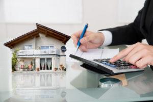 Приватизированная на одного из супругов квартира не является совместной собственностью