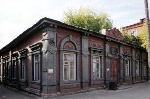 Для изменения фасада исторического здания требуется получить разрешение в местной администрации